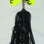 Bucktail with chartreuse blades and black hair