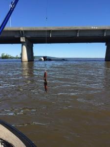 Fardier tombé du pont le matin même